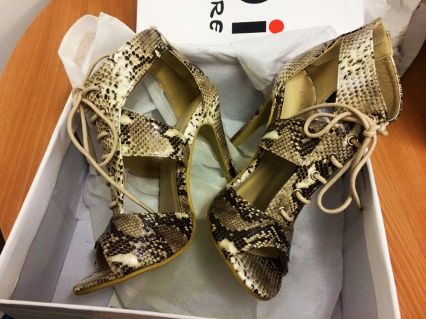Online Avenue: Ivette Nude Snakeskin Heels